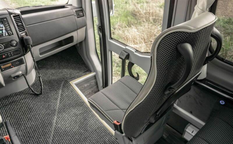 mini bus 12